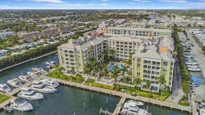 Photo for Resort Style Condo on the Intracoastal