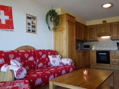 Photo for 3*+ 1-bedroom-apartment for 4-6 people located in the centre of the resort at about 250m from the sk