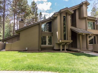Photo for 30 Tennis Village: 2 BR / 2 BA loft condo in Sunriver, Sleeps 8