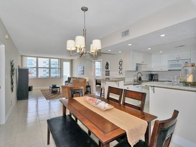 Photo for Beautiful Remodeled 2/2 on high floor, Hollywood Beach
