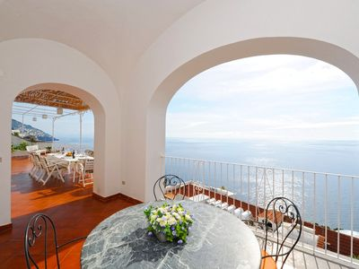Photo for Elegant and central villa with private gated parking in Positano