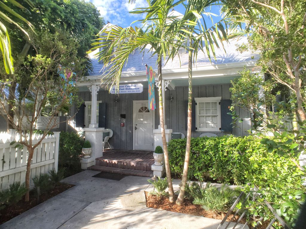 oceanfront pin house rental home key largo three level cottage west beautiful cottages