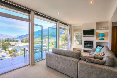 Diamond Villa! Stunning Queenstown views!