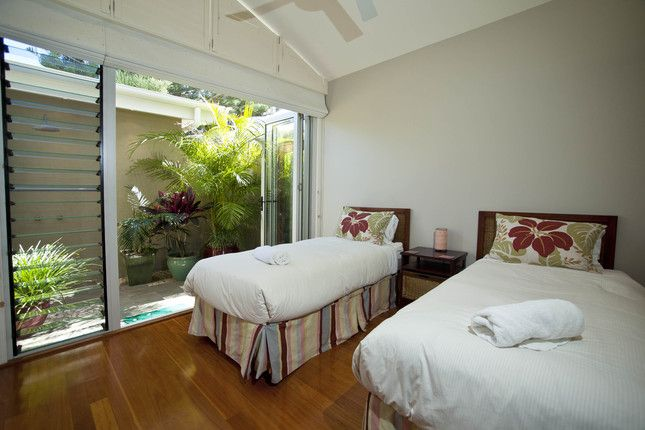 Azure on the beach 2, Top 10 beach front house