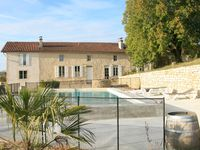 Great Property with a lovely pool and great people looking after it all. Merci