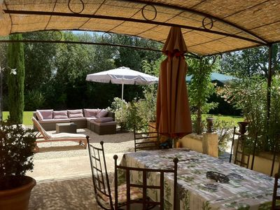 Photo for Provencal farmhouse with pool at the bottom of the Baux de Provence