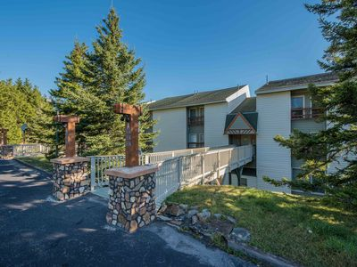 Photo for Walk or Shuttle to The Slopes & The Village! WIFI, long distance, fireplace.