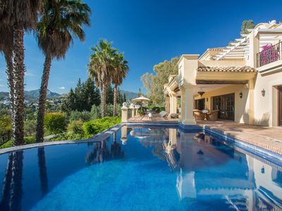 Photo for Villa Kynthia, panoramic views, infinity pool, 6 bedroom villa