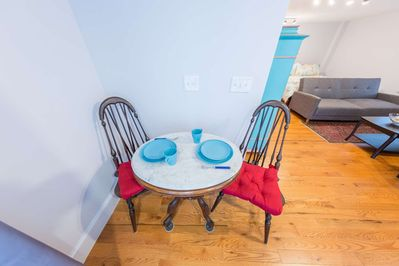 Cozy dining nook - people watching in downtown Marblehead