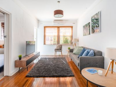 Photo for Tranquil Art Deco Apartment close to transport and walk to Bondi beach