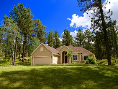 Photo for Secluded house on 5 acres. 10 min to Custer State Park. 3 miles to Custer. Quiet