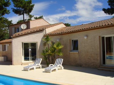 Photo for Large sunny villa with pool in the south of Ile d'Oleron - FR7B1T8T