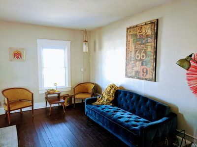 The Old Riverton Post - Bright, whimsical vintage apartment on Kansas Route 66