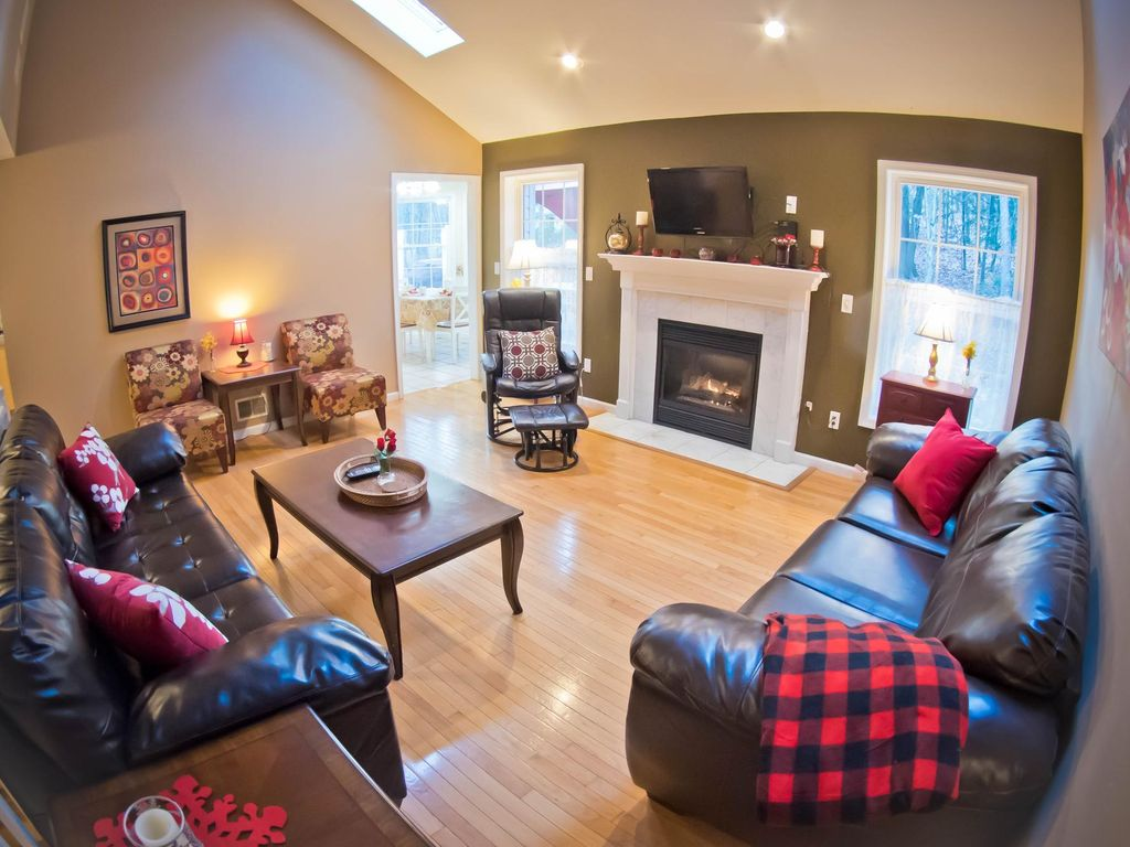 Stroudsburg Holiday House Amazing 5 Bedroom Home With A Large Game