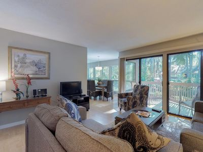 Photo for Dog-friendly condo w/ shared pool, on-site tennis, & great location