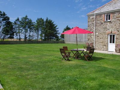 Photo for Former farm in Cornwall with large garden, a washing machine and a tumble dryer