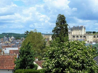 Photo for Air-conditioned cottage 3 * 9 people, Amboise center, castle view, garden, private parking.