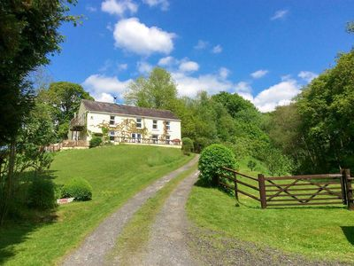 Photo for 5 bedroom accommodation in Pentre-Ty-Gwyn, near Llandovery