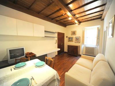 Photo for Spanish Steps Piccolo apartment in Piazza di Spagna South with WiFi & air conditioning.
