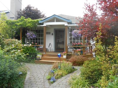 Alki Beach Bungalow
