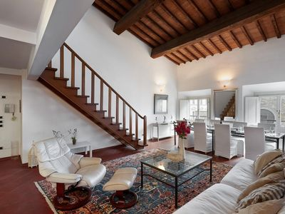 Photo for Spacious Rondinelli  apartment in Duomo with WiFi, integrated air conditioning & lift.