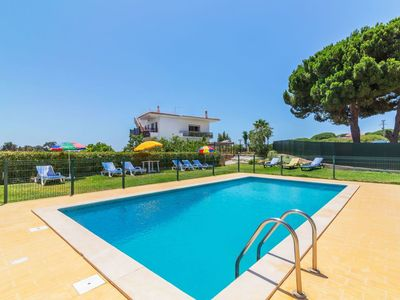 Photo for Lovely apartment for 6 guests with private pool, WIFI, TV, balcony and parking