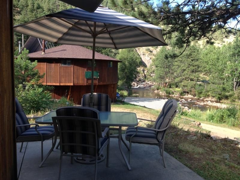 Riverfront Home With Hiking, Fishing And Magnificent Views Out Your Front Door!