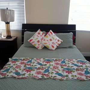 Cozy Airport Townhome near the Airport & walking Distance to the Beach