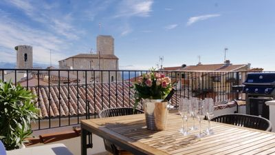 Photo for NEWLY RENOVATED Luxury townhouse in Vieil Antibes with sea view roof terrace