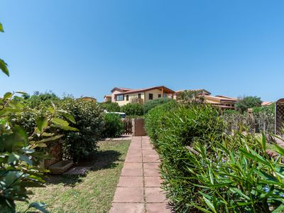 Photo for Holiday Home Close to the Beach with Wi-Fi, Air Conditioning & Terrace; Pets Allowed