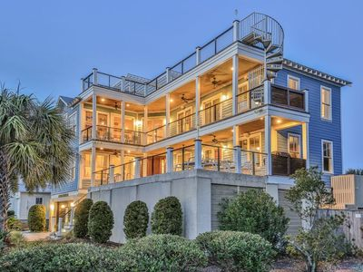 Luxury Beach House with Incredible Ocean Views, Private Pool, Hot Tub, & Rooftop Terrace! $250 Va...