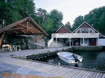 Holiday house in Southern Norway - directly by the water for 4 persons