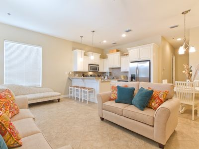 Ground Floor Condo with Pool, Located Just a Block from the Beach!