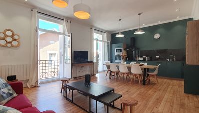 Photo for Haussman - Gorgeous 2 bedroom apt in the heart of les Halles - Parking