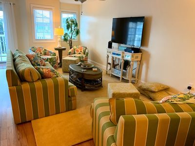 Photo for Luxury Condo, 1 Block to Beach, Pool, 3BR/2BA, Slps 8-10.