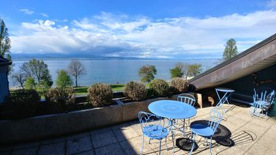 Photo for Waterfront apartment with lake view and direct access
