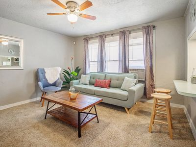 Photo for 1 bed 1 bath Nice and easy close to Plaza District