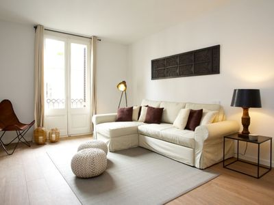 Photo for Apartment in the center of Barcelona with Internet, Air conditioning, Lift (992236)