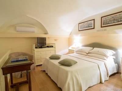 Photo for 15% Off Luxury Apartment Near Duomo Wifi In Historical Medici Palazzo