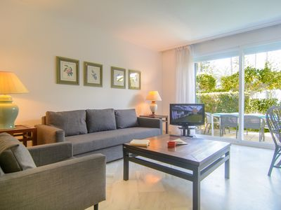 Photo for White Pearl Beachside apartment with garden and heated pool