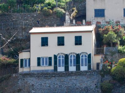 Photo for Villa on 2 levels overlooking the harbor of Vernazza. Wifi. B.C