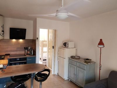 Photo for Apartment in the heart of BANDOL, 400 m from the beaches