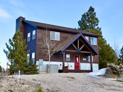 Photo for NEWLY LISTED!  Luxury cabin 3bd/3bth sleeps8.VIEWS, Perfect base camp to N.Parks