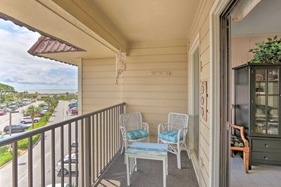Sip refreshing beverages on the balcony and take in the view.