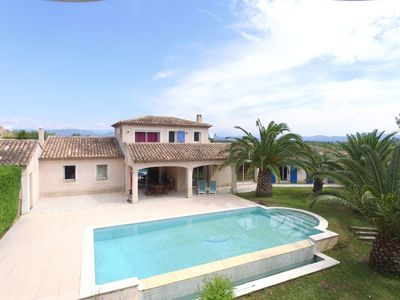 Photo for Spacious private villa, swimming pool, garden, quiet, 10 people, 4 kms from the sea