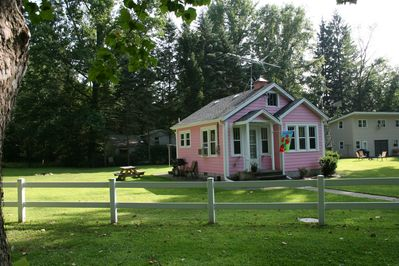 Cute and quaint place to relax!
