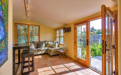 Photo for Stinson Beach Vibe - Cheerful Cottage w Garden