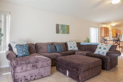Comfy living space w/ 60 HDTV
