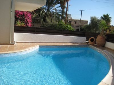 Photo for My Hideaway spacious 2 bed apartment with communal pool, BBQ and FREE WiFi