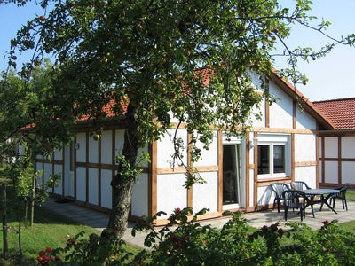 Photo for Holiday house 116 cogs 60sqm up to 5 persons with pets - Cottage Kogge in the holiday village Altes Land
